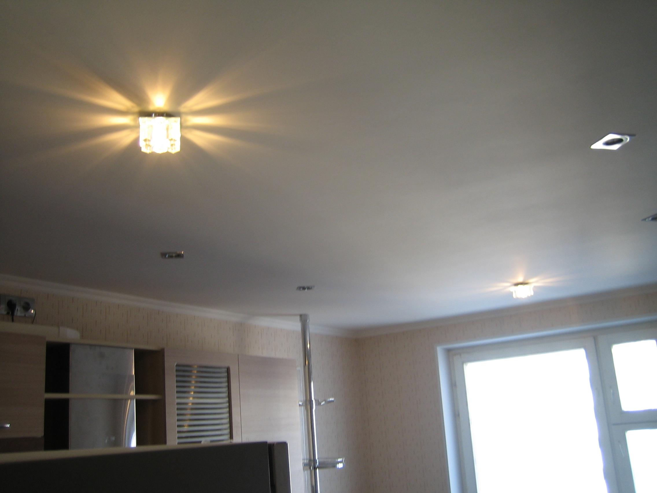 Одноуровневый сплошной подвесной потолок из гипсокартона